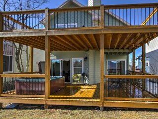 You'll be treated to the luxury of a 2-tier deck, plus a private jacuzzi!