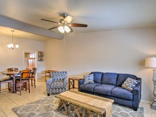 NEW! 1BR Phoenix Townhome - 4 miles to Squaw Peak!
