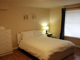 RB/Shared Bath - Brighton Guesthouse (Walk to Metro)