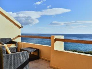 Casa Matteo, a window on the sea