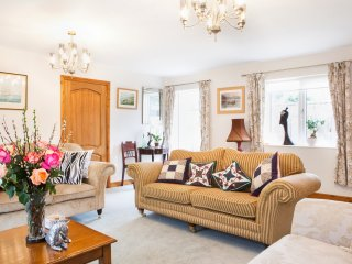 RIVERDALE, en-suites, banks of River Severn, Shrewsbury 1 mile, Ref 973818