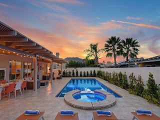 Villa Sandrose Beautiful 3BR/2BA  w/ Salt Water Pool, Spa