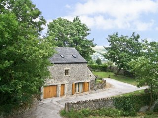THE BARN AT SMALLDALE HALL, family-friendly, mezzanine, in Bradwell, Ref 969611