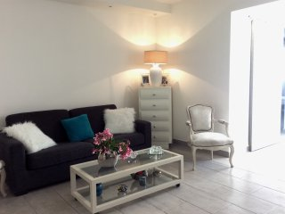 Apartment with garage and pool for congresses and holydays