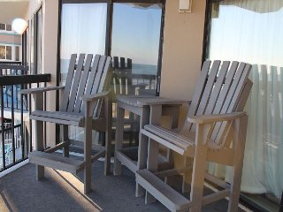 Time for a GETAWAY to Crescent Towers-Paradise Beach Retreat-