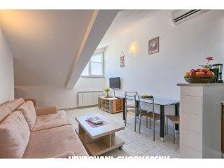 Apartment 1882
