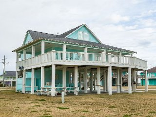 Gulf-View 6BR Beach House w/ Outdoor Bar & Entertainment Area - Sleeps 18