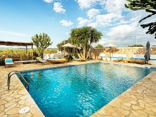Ibiza Town Villa Sleeps 8 with Pool Air Con and WiFi - 5313244