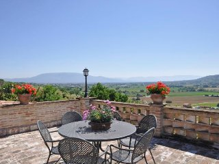 7 bedroom Villa in Perugia, Umbria, Italy : ref 5218398