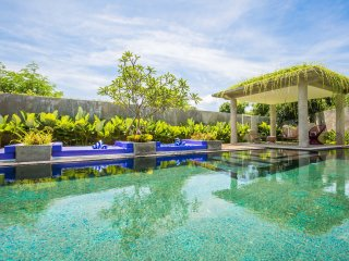 Luxury 6 Bedroom Ocean View Villa Delfino Bali