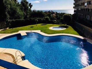 Alquilo amplio apartamento estudio con gran terraza en Fuengirola Torreblanca