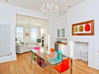 Hove's 3 Bedroom Seaview Apartment