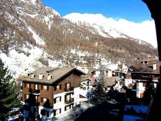 Ampio bilocale di 60mq, vicino piste da sci -Valtournenche (Valle d'Aosta)