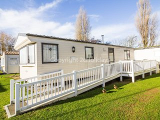 6 berth caravan, close to amenities at Manor Park Holiday Park. REF 23003A