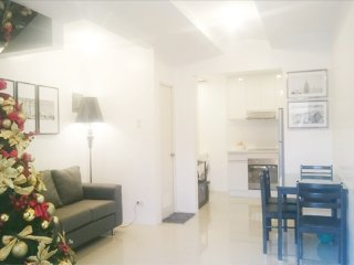 Lipa City 2 Bedroom, 2 Storey Accommodation