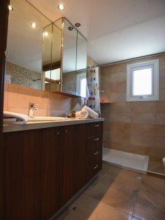 Top Floor Shower Bathroom servicing Bedrooms 2 & 3