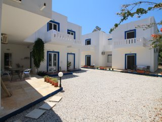 2 bedroom - ground floor apartment (Sleeps 6).