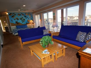 Available  June 15th week / Labor Day weekend/ October/  Ocean Block/ Sleeps 14