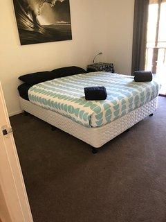 Queen bed...