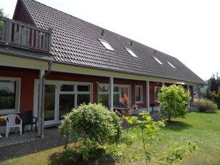 Ferienwohnung 1   40 qm im Sonnenhaus5, fur 2-3 Personen , 500m zum Ostseestrand