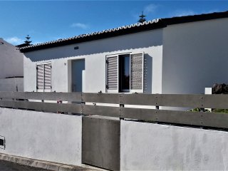 Relaxing house near Mosteiros´s port. A good option for your vacacions in azores