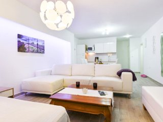 Deluxe Apartment Goya 3 - near the beach&old town
