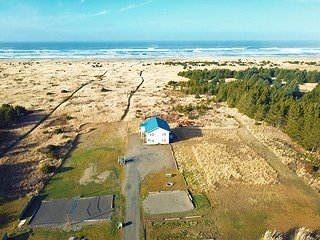 GREAT VIEW! Oceanfront, Pets OK, 55' SmartTV, RecRoom, Bk 2/Get 2 FREE! (SV2)