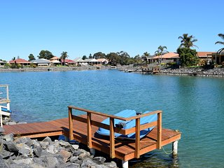 Victor Harbor Getaway on the Lake