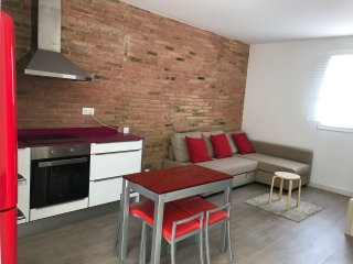 APARTAMENT ATTIC NEAR FIRA GRAN VIA AND MONTJUIC