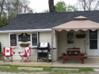 Grand Bend 2 bedroom cottage for rent