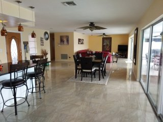 Indian Rocks Beach/ Largo Resort Style 4 BR House with Pool /Hot Tub and Bikes