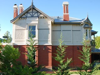 Adelaide Grand Luxury Mansion - Rutland Hall 1894