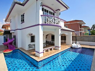 Pool villa 6 bedrooms near Jomtien beach pattaya