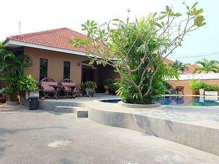 Pool house 5 bedrooms near Jomtien beach pattaya