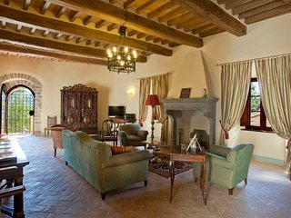 11 bedroom Villa in Gubbio, Umbria, Italy : ref 5218486