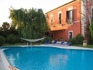 6 bedroom Villa in Ragusa, Sicily, Italy : ref 5218408