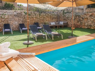 Casa Bonito Mediterraneo. w/ pool, WiFi and garage