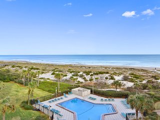 Breathtaking Surf & Racquet Club OCEANFRONT condo renovated in 2017!