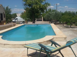 Amazing sightseeing countryhouse fully equiped with paellero, pool,saun etc...