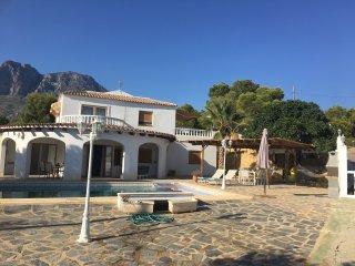 Villa Cortina in Finestrat, heerlijk prive zwembad, zee-en bergzicht, 7 personen