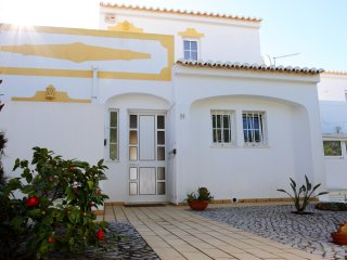 Casa Palmeira, delightful 2-bedroom townhouse with communal pool
