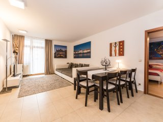 Westpark Apartment (4 Bedrooms)