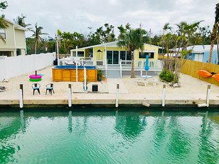 FL Keys Waterfront Pool Home 2 Bedrooms Sleeps 8 w/ 60 Feet of Dockage