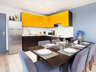 NEAR PARIS / 2 Bedrooms flat / up to 7 Persons
