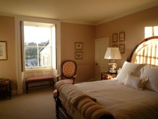 Luxury ensuite king room with full breakfast