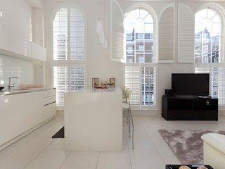 Charming 2BR Luxury Home in Marylebone