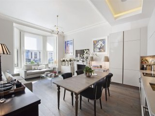 2.8m Luxury apartment in South Kensington