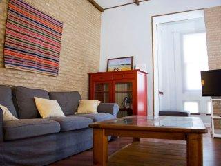 Appartement 2 chambres, 6 couchages, balcon et patio Centre historique Alameda.
