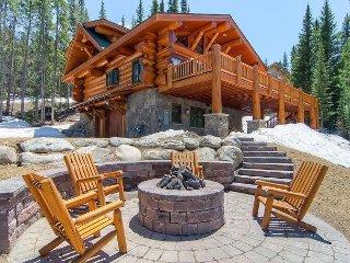 Bear Creek Cabin: Hot Tub, Amazing Views, Pool Table