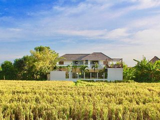 PROMO Brand new 7 BR with stunning  ricefield view in the heart of Seminyak
